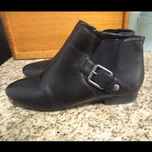 Nine West Black Leather Ankle Boots Size 9